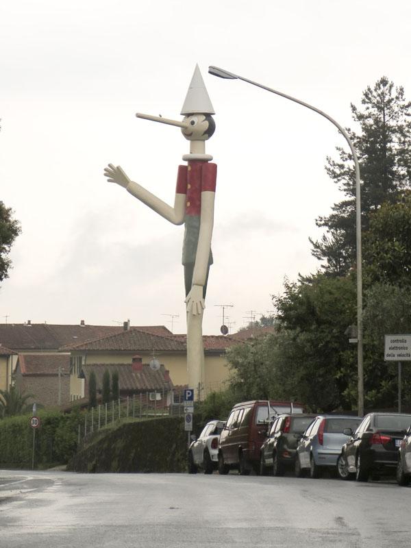 Pinocchio-Statue in Collodi