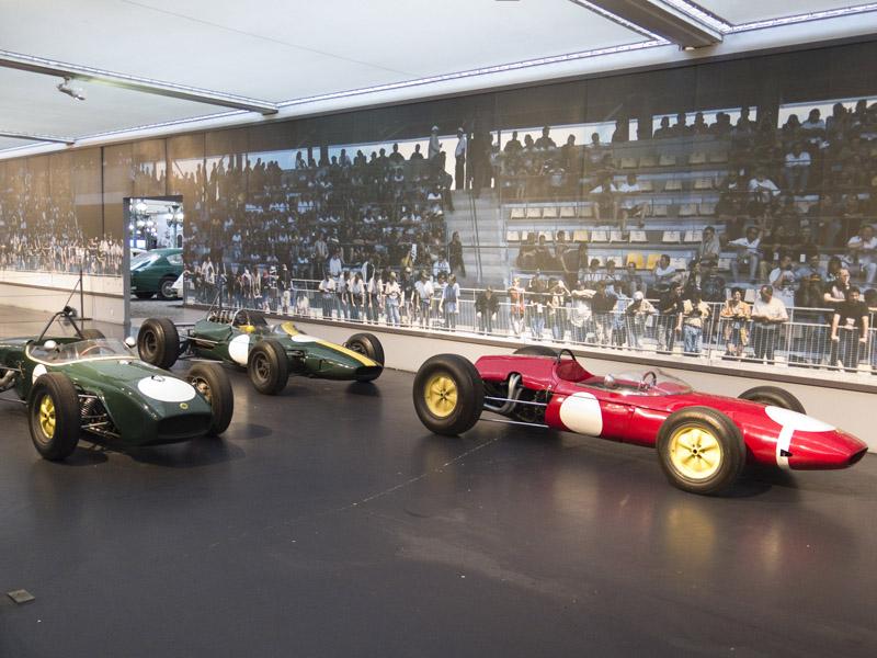 Lotus 18, 24 und 33